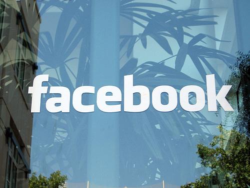 Facebook prijeti da ugrozi lidersku poziciju Twittera u mikroblogovanju