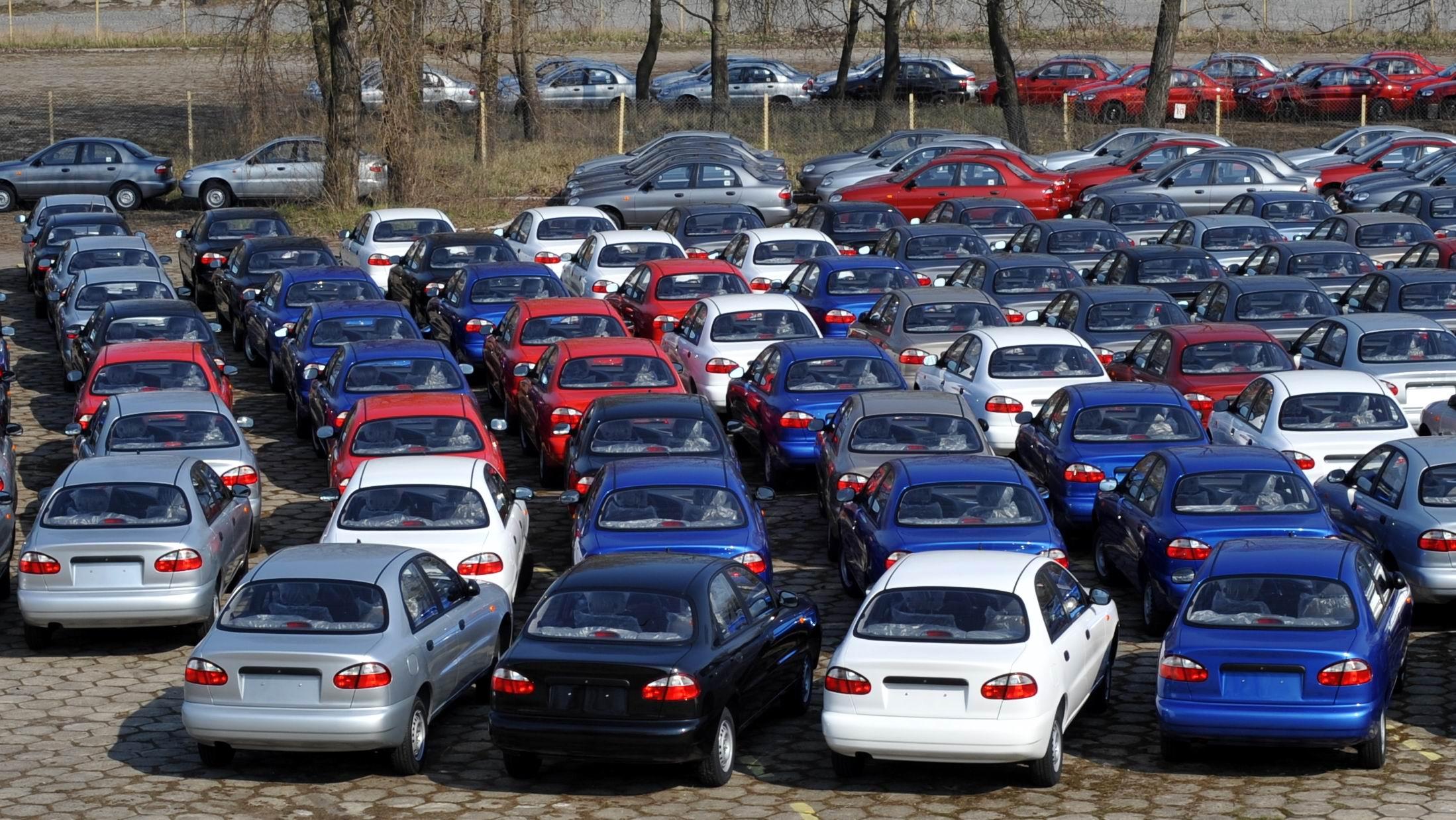 standardima svoje propise koji se tiču uvoza polovnih automobila