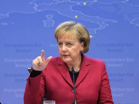 Merkelova za pooštravanje sankcija Moskvi