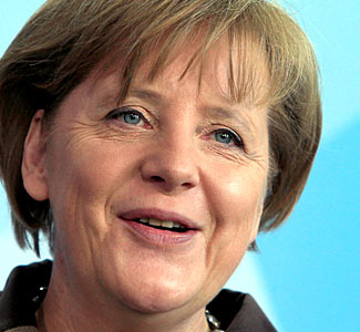 Merkel: Evrozona i dalje traži lijek