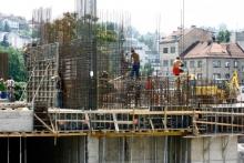 Najugroženiji radnici u preradi i građevinci
