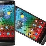 Motorola predstavila svoj prvi smartphone model Razr i