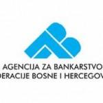 Korisnici kredita pokušali ući u zgradu Agencije za bankarstvo FBiH