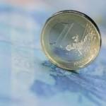 Evro oslabio prema dolaru nakon pet sedmica rasta