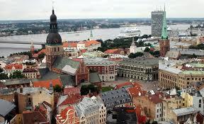 Vlada Letonije slavi – stanovništvo strepi od ulaska u evrozonu