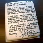 Dao otkaz porukom ispisanom na torti