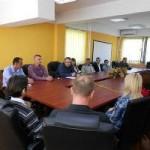 Načelnik opštine Zvornik uručio rješenja pripravnicima