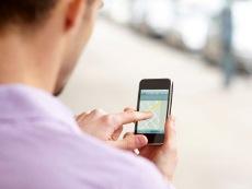 Osobe koje šalju puno SMS poruka su…