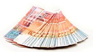 Udruženje banaka: Kredite u švajcarcima rješavati u odnosu klijent-banka