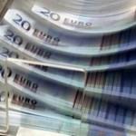 Evro ojačao prema dolaru, oslabio prema jenu