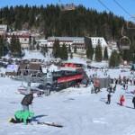 Snijeg napunio staze skijašima