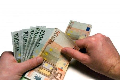 CG: Iz dijaspore stiglo 353 miliona evra