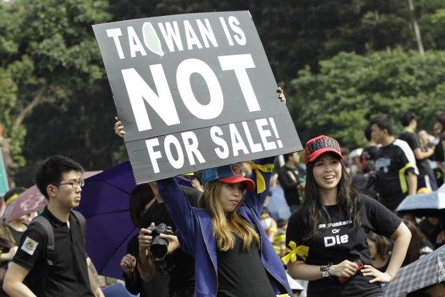 Demonstracije na Tajvanu protiv trgovinskog sporazuma s Kinom