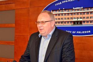 Srbija ustupila Srpskoj poljoprivredni avion za zaprašivanje komaraca