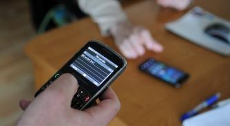 Amerikanci na internetu više putem mobilnog nego na računaru