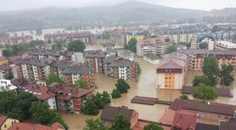 Poplave zaustavile ekonomski rast