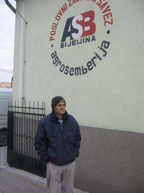 Radnik u Bijeljini štrajkom glađu pokušava naplatiti 14 plata