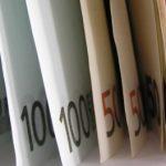 Evro u sedmici skočio 2,3 odsto prema dolaru