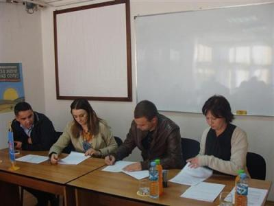 Potpisani ugovori o samozapošljavanju i mikrokreditiranju