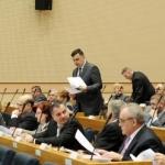 Ljekari i ekonomisti okupirali parlamente