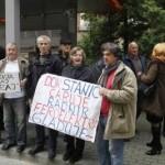 Protest radnika Feroelektra ispred zgrade Vlade FBiH