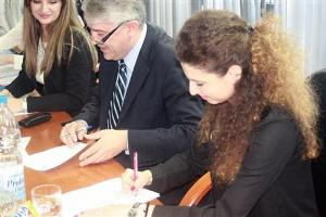 Potpisani ugovori sa nova 84 studenta