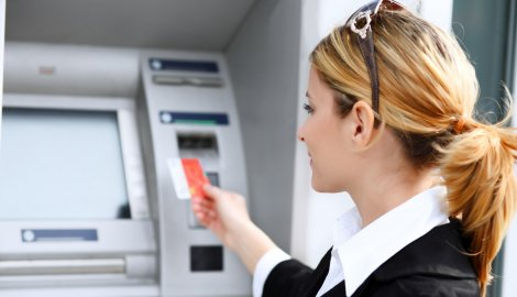 Bankari savjetuju: Na ljetovanje sa karticom i malo keša