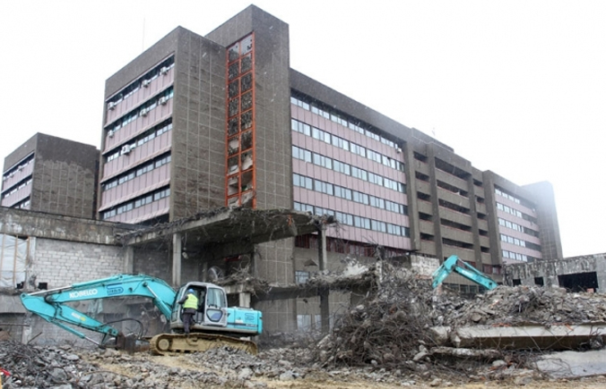 http://www.capital.ba/wp-content/uploads/2015/07/bolnica-rekonstrukcija1.jpg