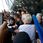 Uhapšeni radnici Er Fransa koji su šefu pocijepali odjelo i košulju