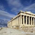 Grci zaradili od turizma 10,4 mlrd €