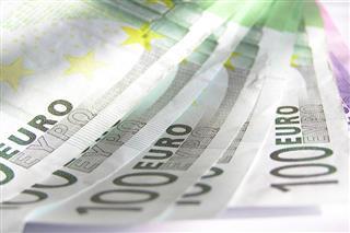 Crnogorci u 2017. uštedjeli 170 miliona evra