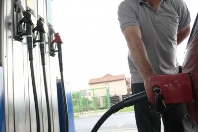 Teheran ograničava kupovinu goriva