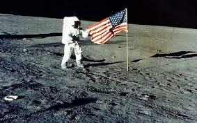 Objektiv korišćen na Mjesecu prodat za 450.000 dolara
