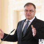 Ivanić: Političari da budu servis ekonomistima