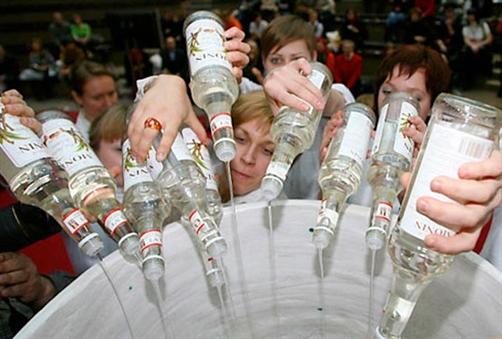 Zbog krize Rusi manje piju