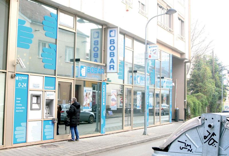 Radnicima Bobar banke oprošteni fiktivni krediti