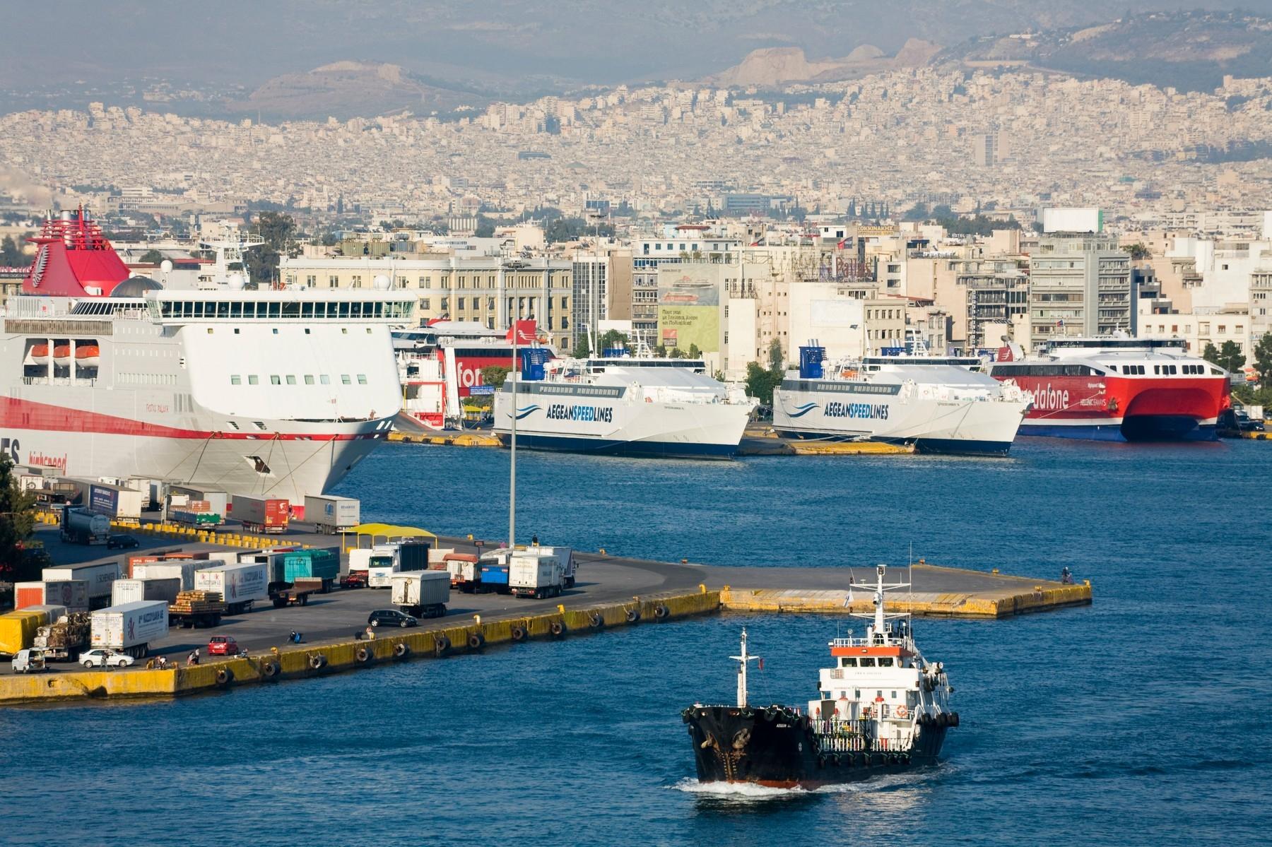 Štrajk zatvorio pristaništa u Pireju i Solunu