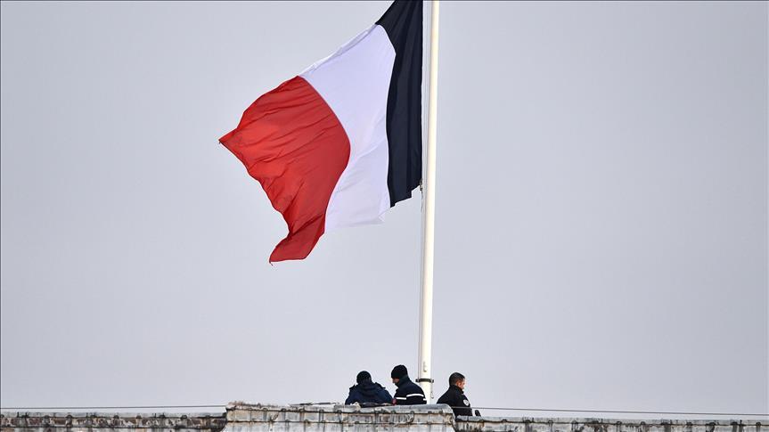 """Koliko """"žuti prsluci"""" utiču na francusku ekonomiju"""