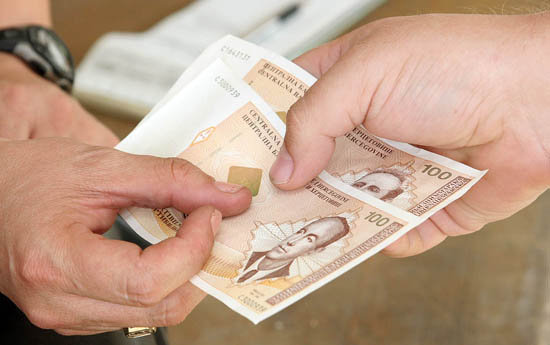 Septembarski prosjek plata u RS 881 KM
