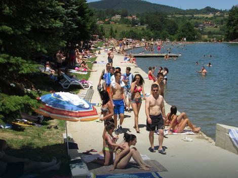 Besparica napunila lokalna kupališta u Srpskoj