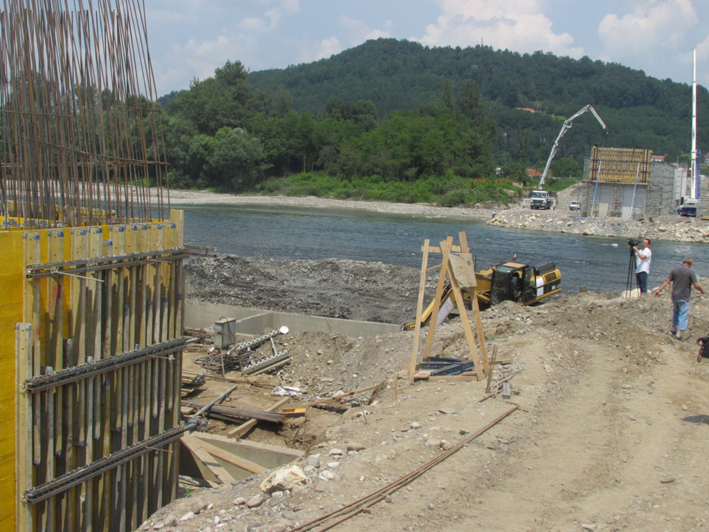 Gradnja mosta Bratunac-Ljubovija teče po planu