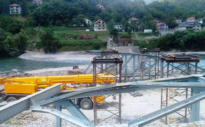 Foča: Obnova mosta u toku, od Vlade RS još 600.000 KM