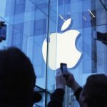 Apple u sekundi zaradi čak 1.444 dolara