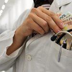 Korupcija u bh. zdravstvu ili kako smo sistematski uništeni podmazivanjem i čašćavanjem