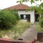 Precijenjene stare i devastirane kuće