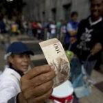 Venecuela produžila upotrebu novčanice od 100 bolivara