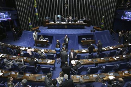 Brazilski Senat izglasao štednju opkoljen demonstrantima
