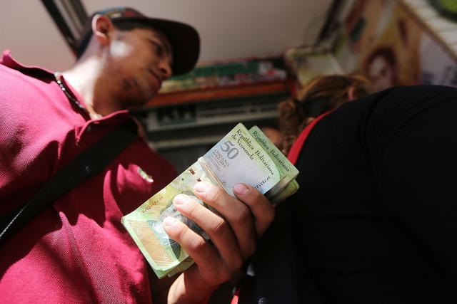 Venecuela: Zbog inflacije povećavaju plate za 150 odsto