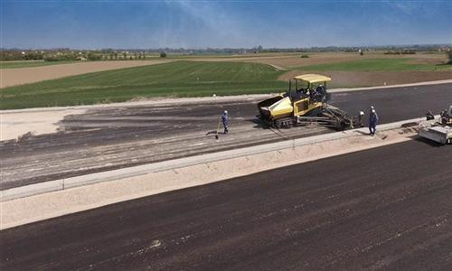 Novi kilometri asfalta na dionici autoputa Banjaluka – Prnjavor