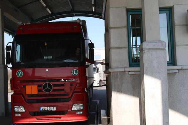 Za šest mjeseci od uvođenja taksi uvoz iz Srbije manji za 98 odsto